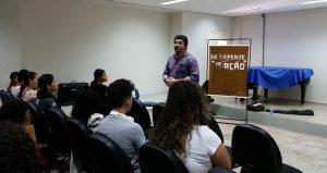Palestra com Raul Poeta no auditório da Universidade Federal do Cariri