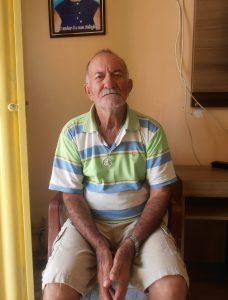 Repentista Zé Altino durante entrevista na cidade de Campos Sales
