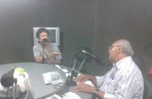 Participando de entrevista na Rádio Verde Vale com o poeta Pedro Bandeira